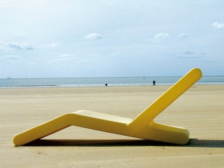 Totema 109 by pascal bauer blog d co design for Chaises longues de plage