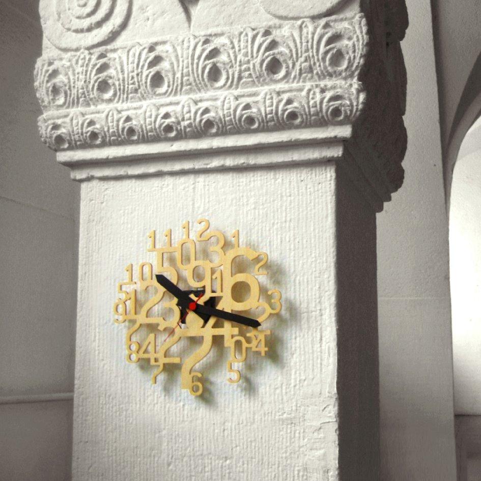 uhrzahl horloge murale en bois