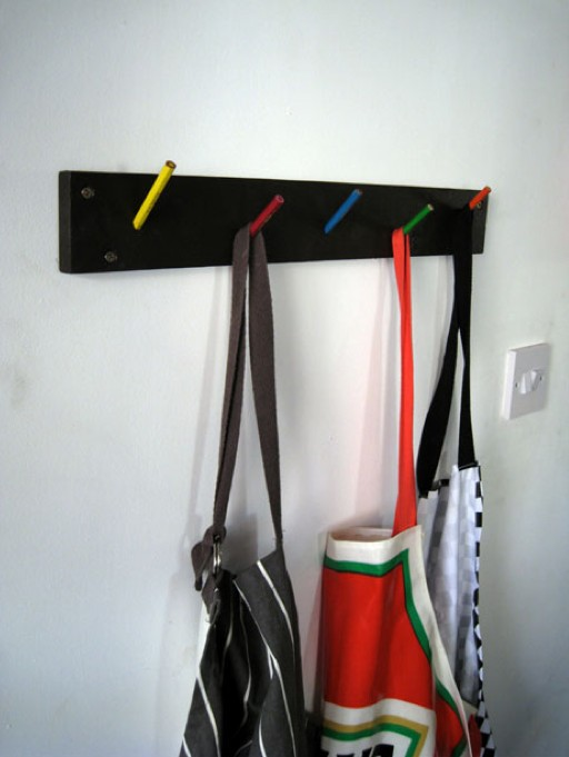 porte manteaux crayons par thomas forsyth blog d co design. Black Bedroom Furniture Sets. Home Design Ideas