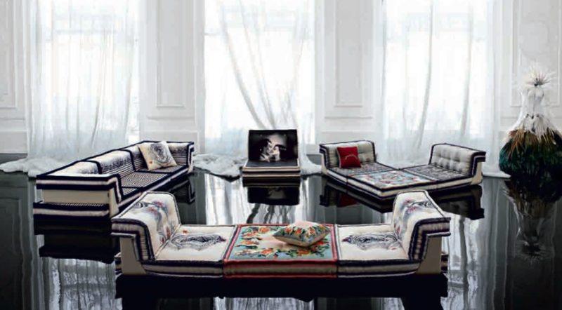 le canap mah jong de hans hopfer dit par roche bobois. Black Bedroom Furniture Sets. Home Design Ideas