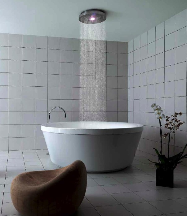 Geo 180 une belle baignoire douche par kos blog d co design for Peut on repeindre une baignoire