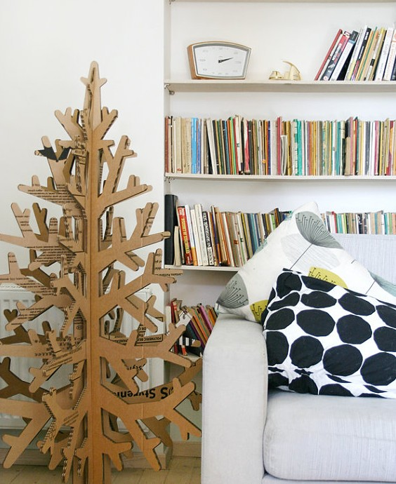 un sapin en carton pour no l blog d co design. Black Bedroom Furniture Sets. Home Design Ideas