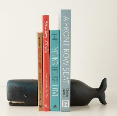 un serre livres baleine pour votre biblioth que blog d co design. Black Bedroom Furniture Sets. Home Design Ideas