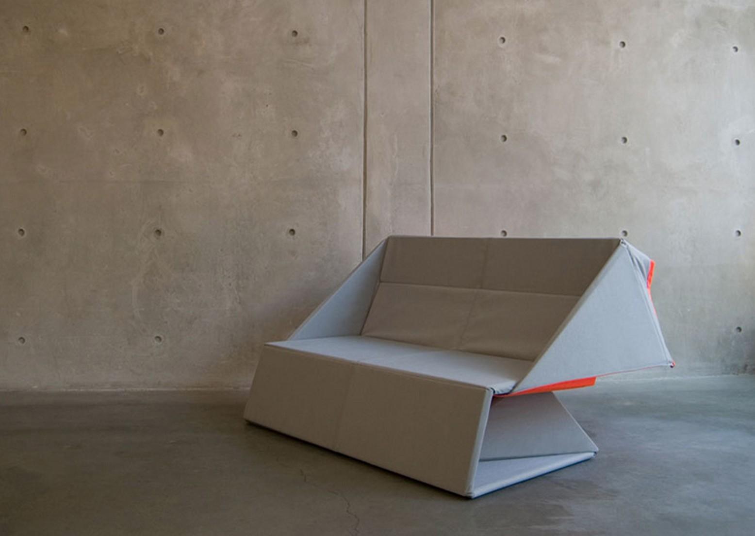 Origami sofa par yumi yoshida blog d co design for Canape pliable