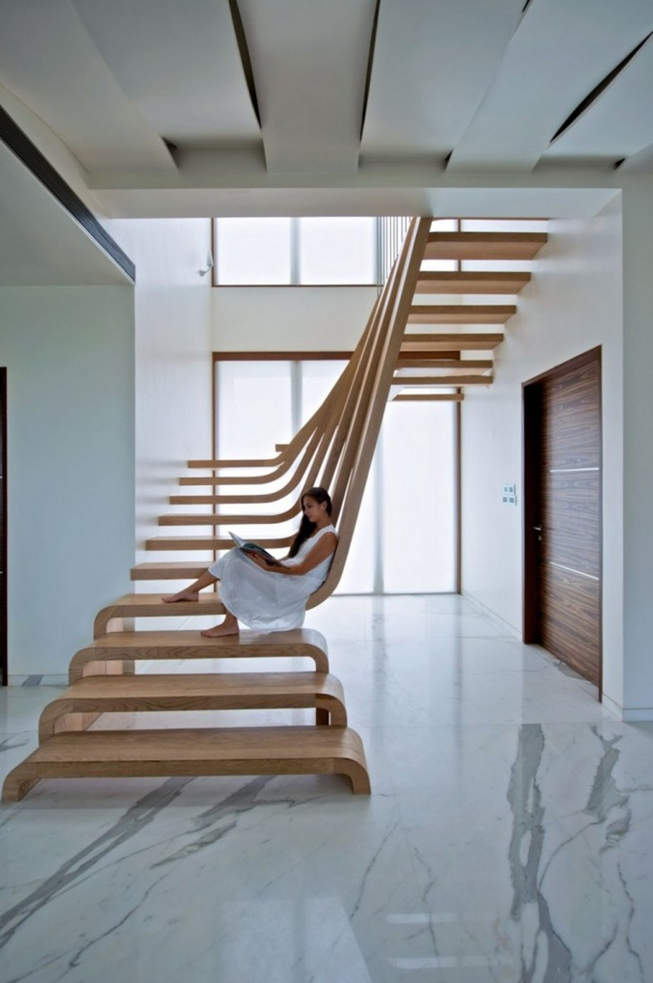 tr s bel escalier design mumbai blog d co design. Black Bedroom Furniture Sets. Home Design Ideas